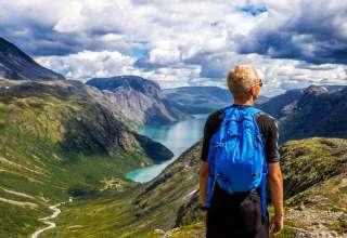 co warto włożyć do plecaka na wyprawę w góry